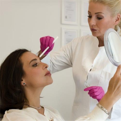 Micro Botox Behandlung durch Dr. Strobl von LIPS and SKIN Ästhetische Medizin in München