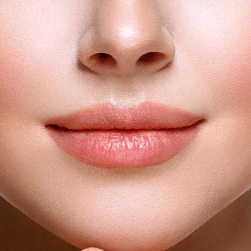 Schöne volle Lippen